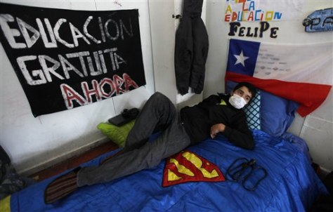 Image: High school student on a hunger strike in Chile