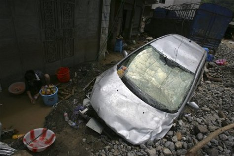 Image: Car hit in landslide