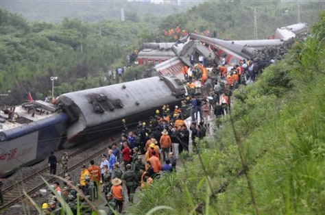 Image: Crashed train