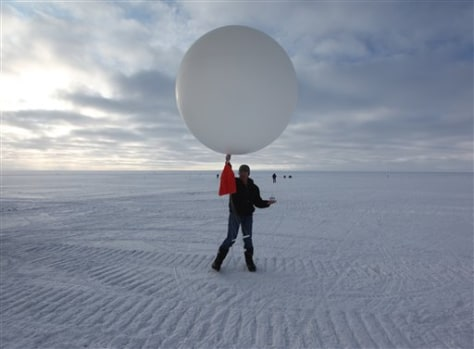 Image: Weather balloon in Greenland