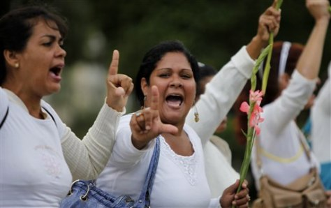 Image: Members of the Cuban dissident group Ladies in White demonstrate