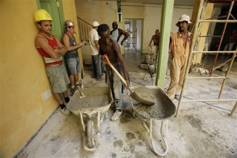 Image: Cuban workers