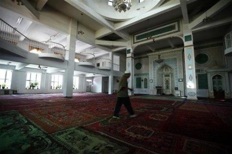 Image: Urumqi mosque interior
