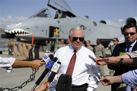 Image: Robert Gates in Afghanistan