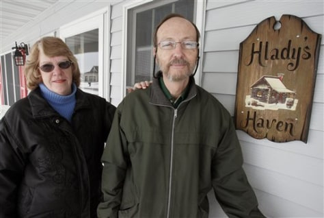 Image: Fargo couple willing to take evacuees in