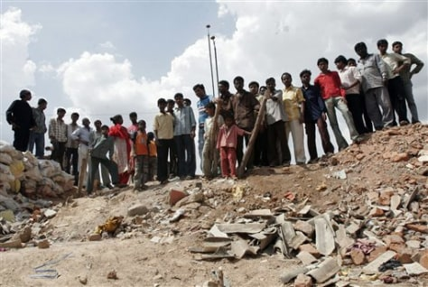 IMAGE: DEMOLISHED LIQUOR STORE IN INDIA