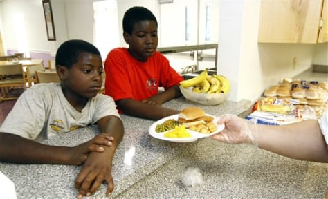 Image: Kids receive free summer meals
