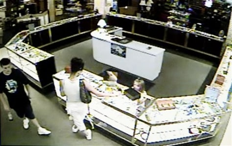 Image: Suspected shoplifting