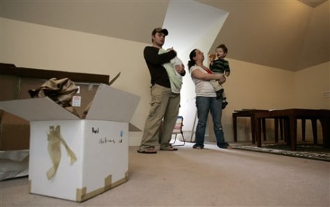 Image: Jewish family gets help to move to Alabama