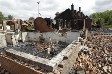 Image: Homes destroyed by fires