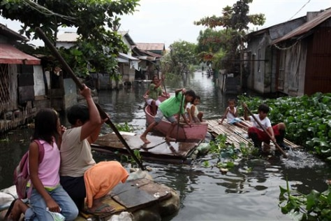 Image: Flooded village in Philippines