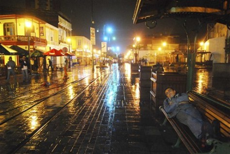 Image: Light rain in Iquique