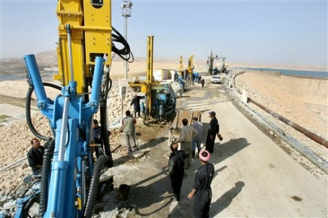 Image: Work on Iraq dam