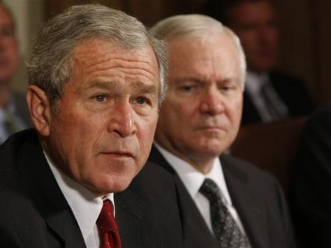 Image: George W. Bush and Robert Gates