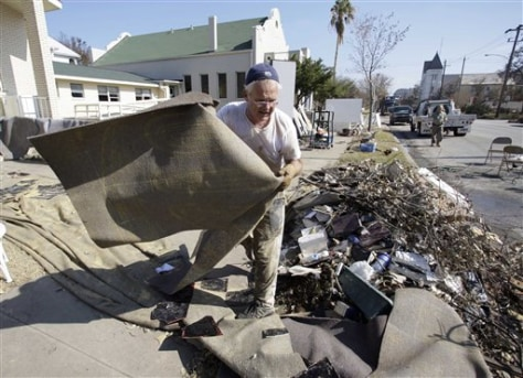 Image: Clean up at Galveston church