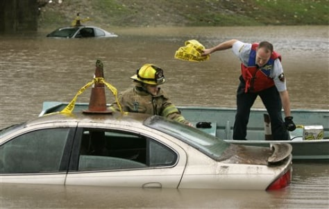 Image: Flooded cars in Little Rock