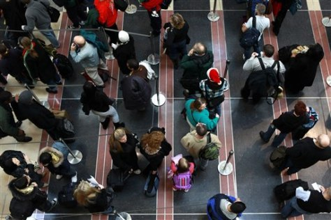 Image: Air travelers in security line