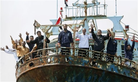 Image: Egyptian fishermen who escaped from pirates