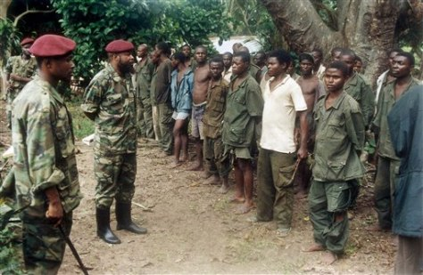Iamge: Congo rebels with prisoners