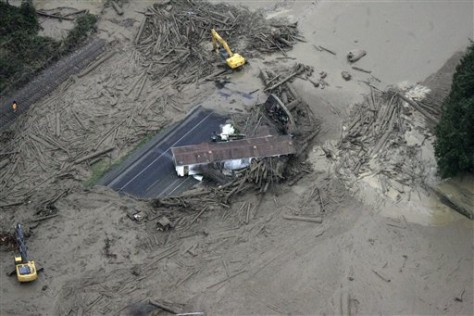 IMAGE: MOBILE HOME IN MUD