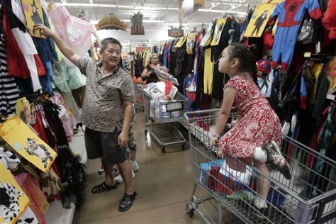 Image: Wal-Mart shoppers