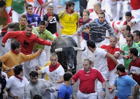 Image: Runners, bull