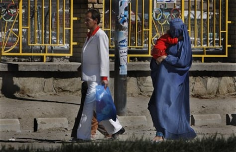 Image: Well-dressed Kabul family