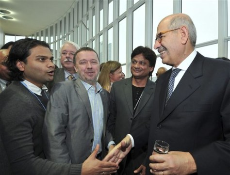 Image: Outgoing Director General of the International Atomic Energy Agency Mohamed ElBaradei with staff members