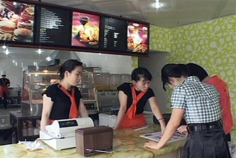 Image: N. Korea burger joint