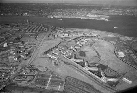 Image: Rikers Island prison
