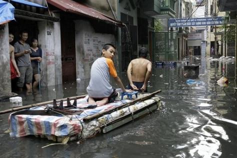 Image: Flooded Hanoi street