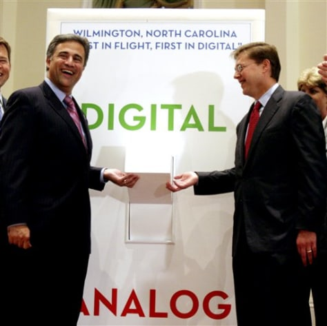 Image: Wilmington Mayor Bill Saffo, left, and  FCC Chariman Kevin Martin