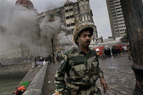 Image: Taj Mahal hotel burns