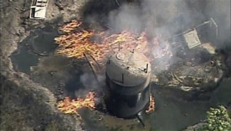 Image: Fire at natural gas well