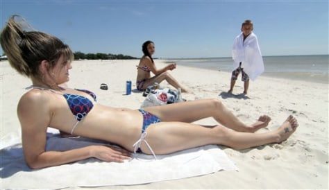 Image: Catching rays in Gulfport, Miss.
