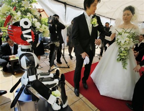 Image: Robot oversees wedding