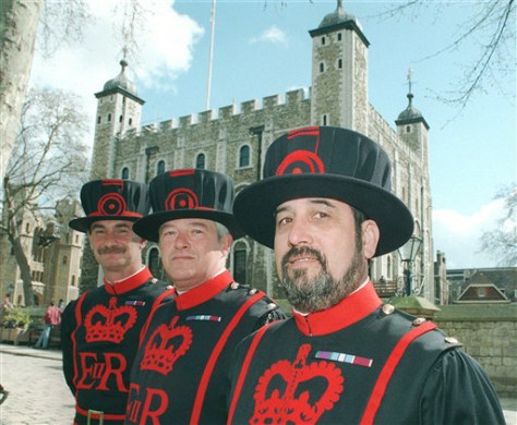 BRITAIN FEMALE BEEFEATER