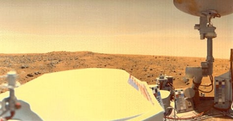 Image: Viking I Lander overlooks the Chryse Planitia