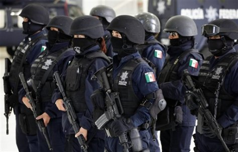 Image: Mexican police officers