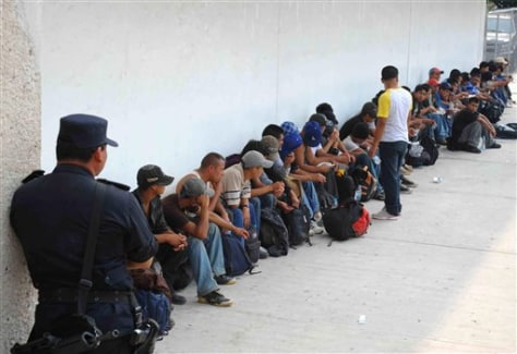 Image: 513 U.S.-bound migrants stopped in Mexico