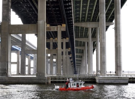 Image: U.S. Coast Guard boat searches the river