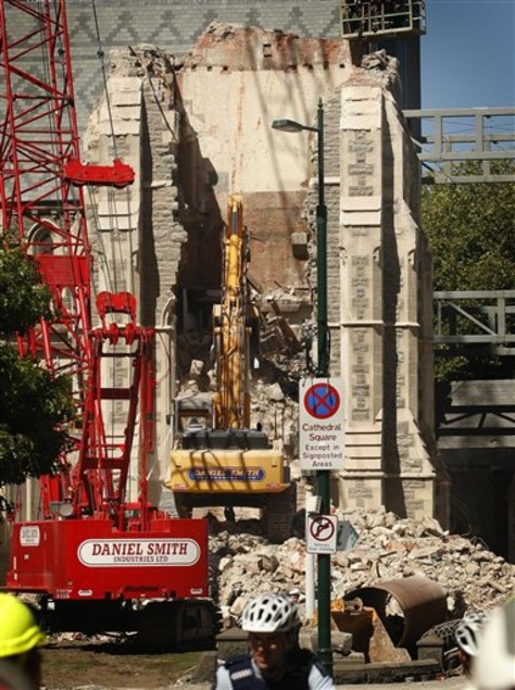 Image: Crane removes  wall of Christchurch Cathedral.