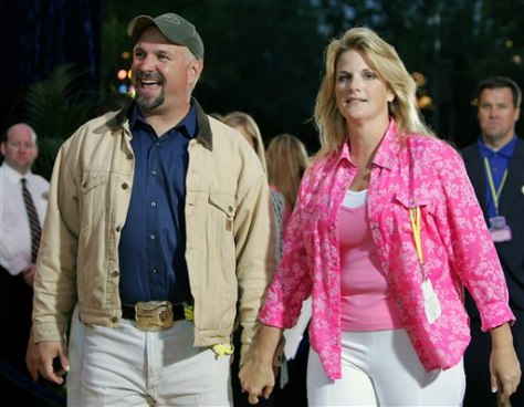 Brooks yearwood tie the knot in oklahoma today for Garth brooks married to trisha yearwood