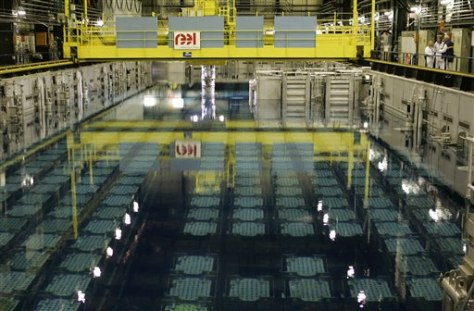 IMAGE: POOL THAT COOLS SPENT NUCLEAR FUEL RODS