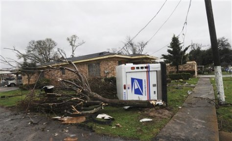Image: A postal truck lies on its side
