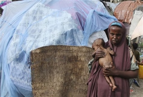 Image: Somali woman with malnourished child