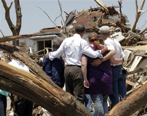 Image: Barack Obama with Joplin, Mo. residents