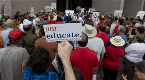 Image: Protesters ouotside Texas Board of Education meeting