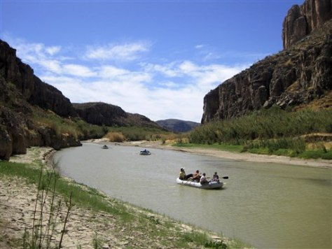 Image: river rafting