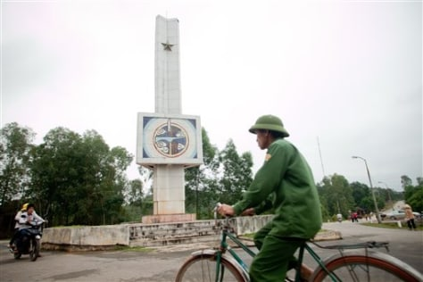 Image: Dong Loc T-junction Monument in Vietnam